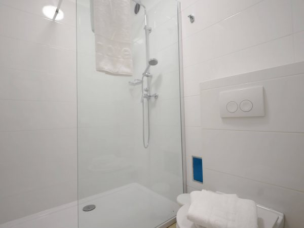 Depandance apartment-bathroom